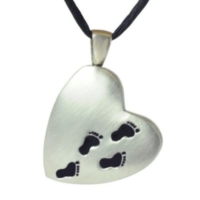 footprints-across-my-heart-pewter-pendant-001